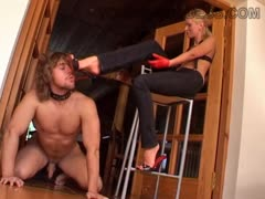 Mistress Uses Bitchboy For Foot Cleaning Enjoyment